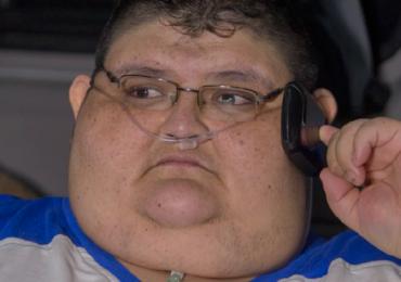 Mexicano que pesa 500 kg passa por avaliação para tentar voltar a caminhar
