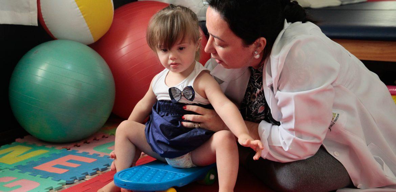 Fisioterapia e Desenvolvimento Motor na Criança com Síndrome De Down