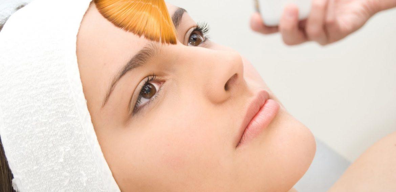 Análise Comparativa dos Efeitos dos Peelings Quimicos no Tratamento de Rejuvenescimento Facial