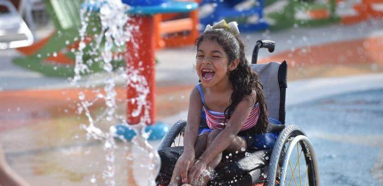 Primeiro Parque Aquático do Mundo para Pessoas com Deficiência Abre Finalmente