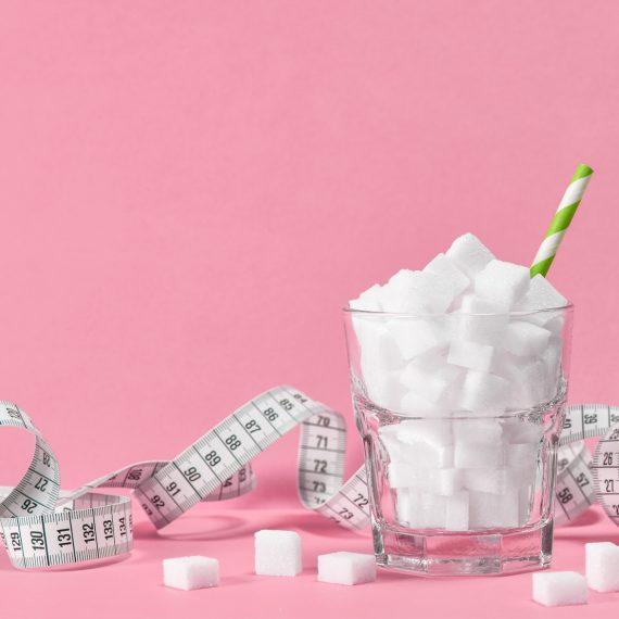 Quem é Mais Vilão na Estética: O Açúcar ou o Adoçante?