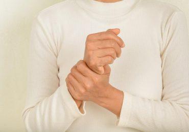 Como tratar dor articular (artralgia) e inflamação articular (artrite)